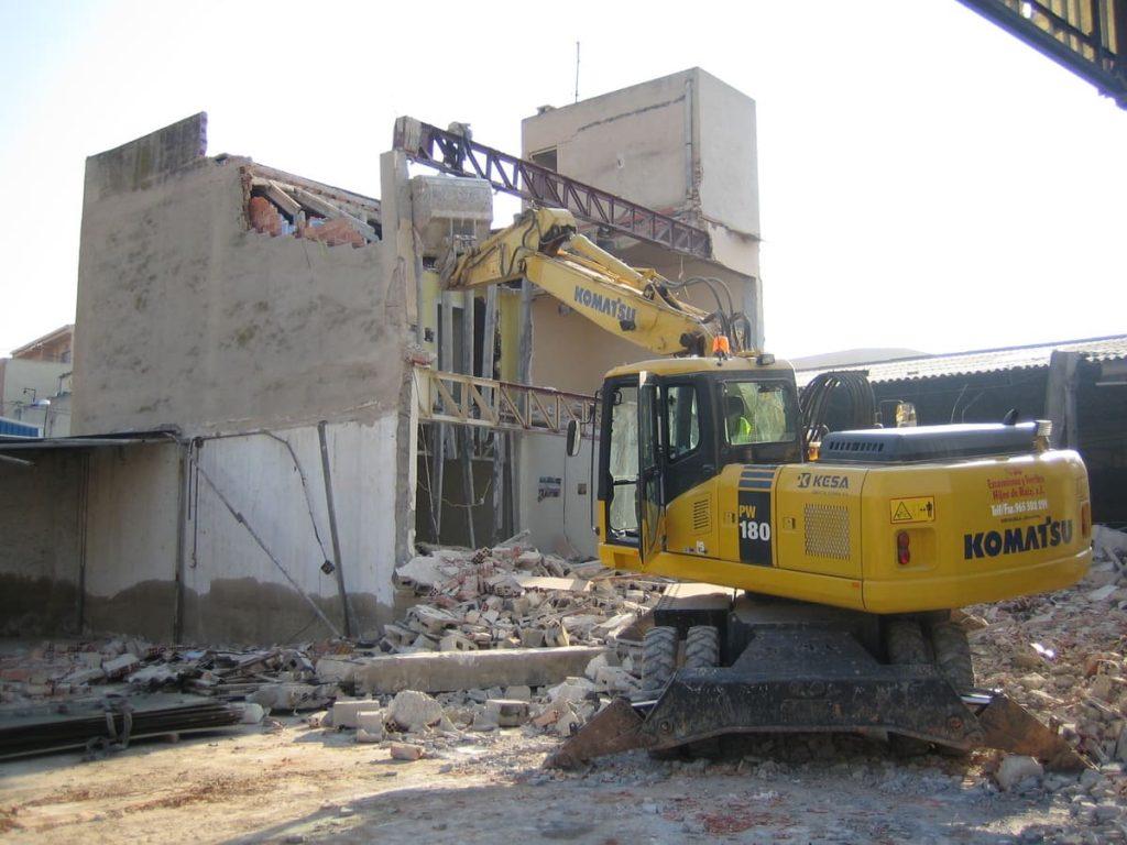 demoliendo una casa